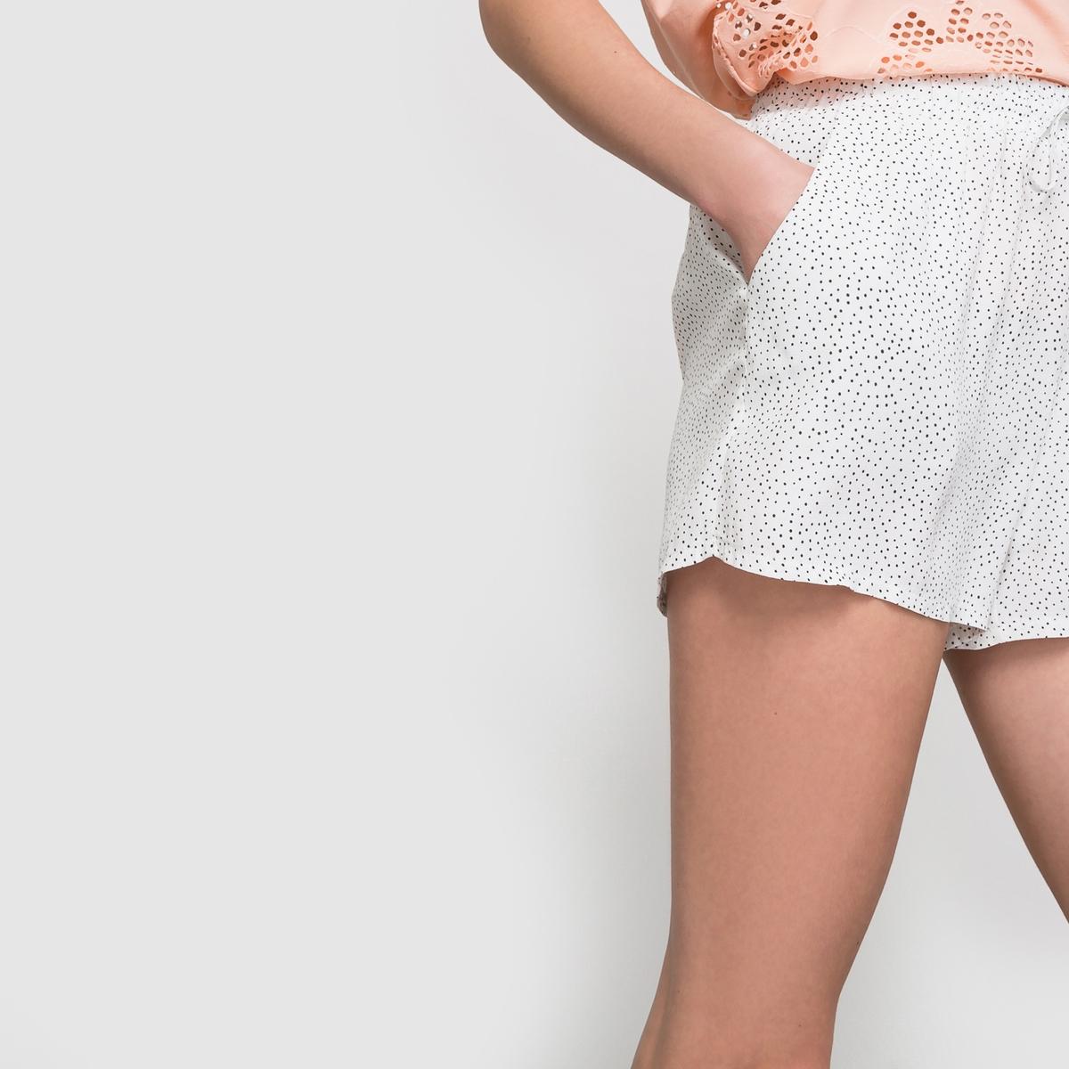 Шорты из струящейся ткани с принтом в горошек DINIAШорты из струящейся ткани DINIA с принтом в горошек . Эластичный пояс с завязками. 2 боковых кармана.Состав и описание : Материал: 100% вискозы.Длина  32 см Длина по внутр.шву 8 смМарка: ICHI.Уход :Машинная стирка при 30°C с вещами подобных цветов.Стирать и гладить с изнанки.Машинная сушка запрещенаГладить на низкой температуре.<br><br>Цвет: экрю/черный горошек
