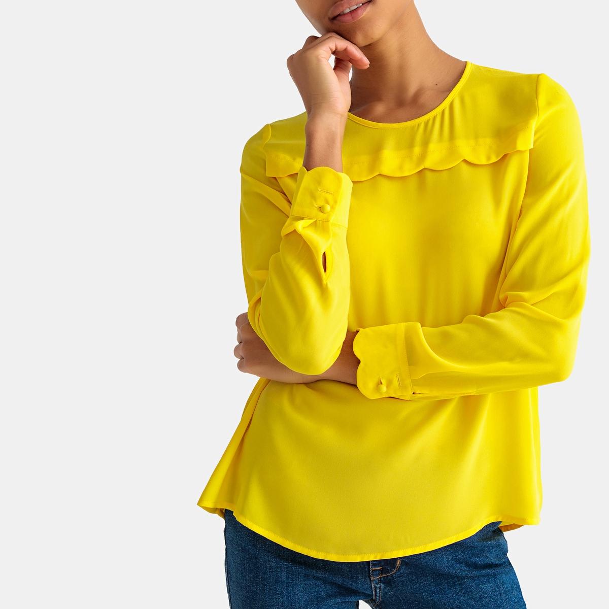 Blusa de manga larga y plastrón festoneado