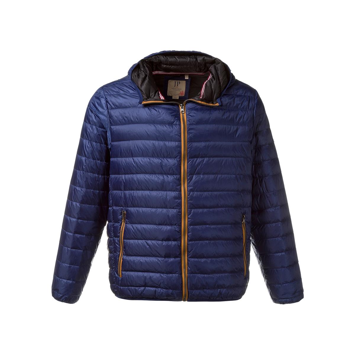 Куртка стеганаяСтеганая куртка JP1880. Капюшон, застежка на молнию, 2 кармана на молнии. На подкладке с 2 карманами с клапаном. 100% полиамид. Подкладка: 100% полиамид. Длина в зависимости от размера 70-81 см<br><br>Цвет: синий<br>Размер: 3XL.5XL