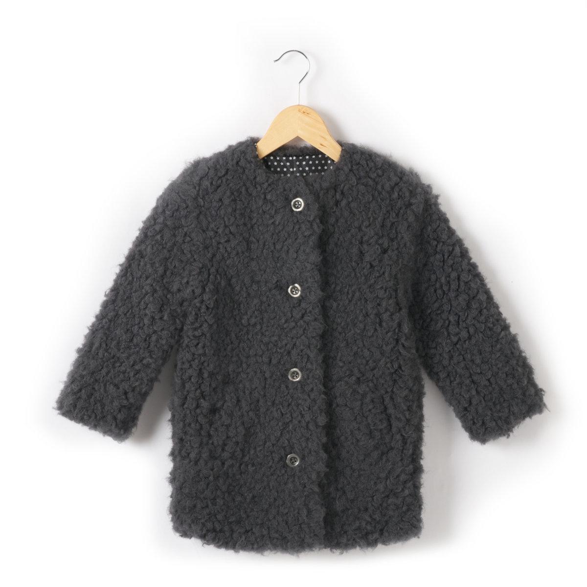 Пальто из искусственного мехаПальто из искусственного меха под овчину: 70% акрила, 30% полиэстера. Застежка на пуговицы. 2 кармана. Подкладка с рисунком звезды, 100% полиэстера.<br><br>Цвет: серый<br>Размер: 12 лет -150 см