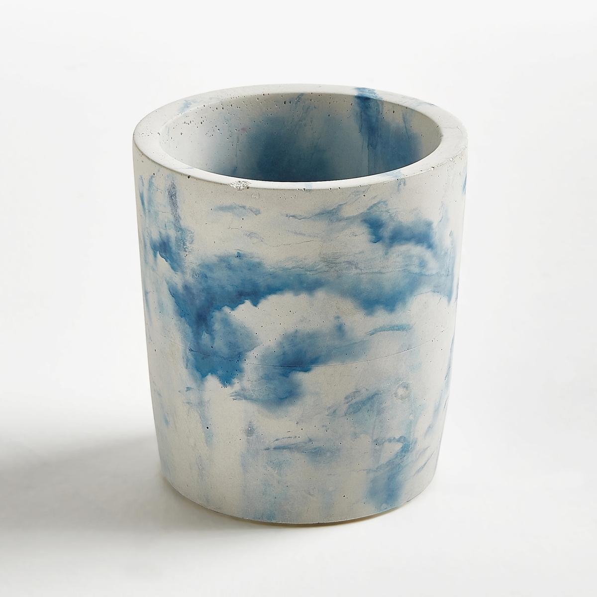 Кашпо под мрамор, диаметр 12 см, AngermanХарактеристики :- Из окрашенного бетона под мрамор- Ручная работа, каждый мраморный рисунок уникален.Размеры: - диаметр 12 x высота 13,5 см<br><br>Цвет: белый/ синий