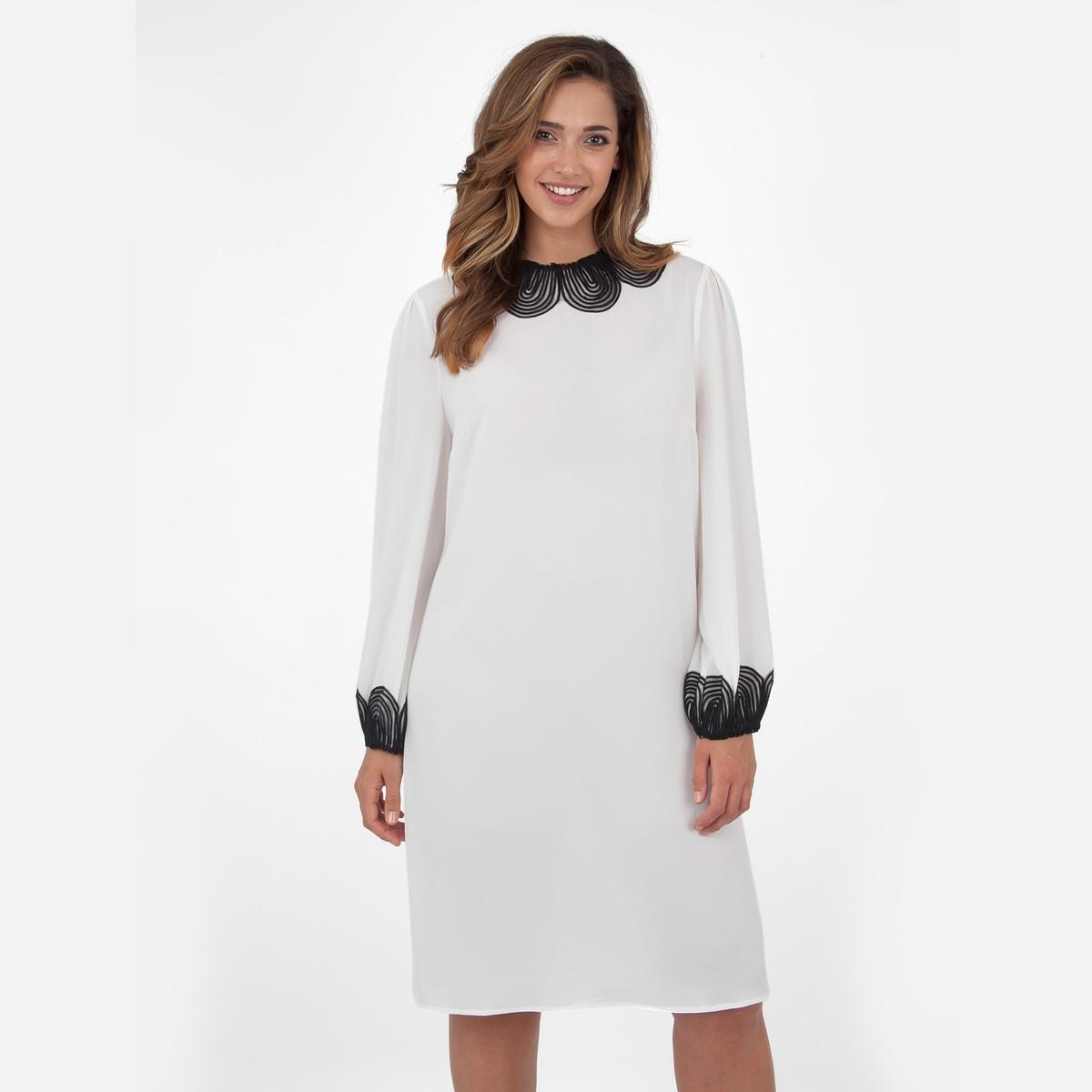 ПлатьеПлатье с длинными руквами - LOVEDROBE. Изящная отделка выреза и манжет. Длина ок.104 см. 100% полиэстера.<br><br>Цвет: слоновая кость<br>Размер: 54/56 (FR) - 60/62 (RUS).58/60 (FR) - 64/66 (RUS)