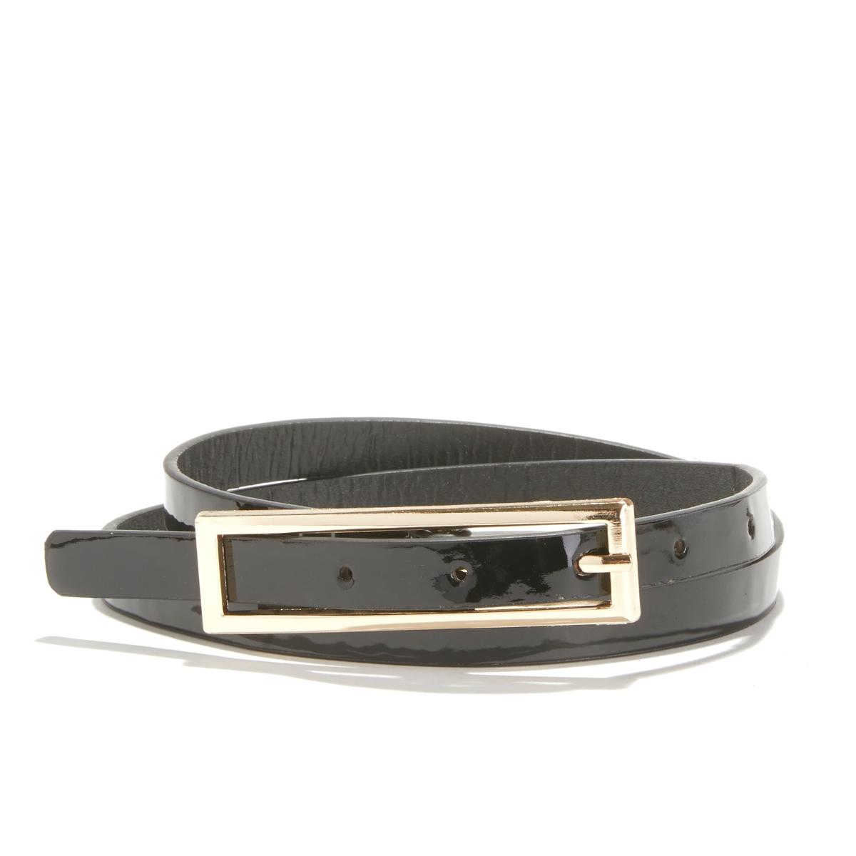 Cinturón fino de charol con hebilla cuadrada