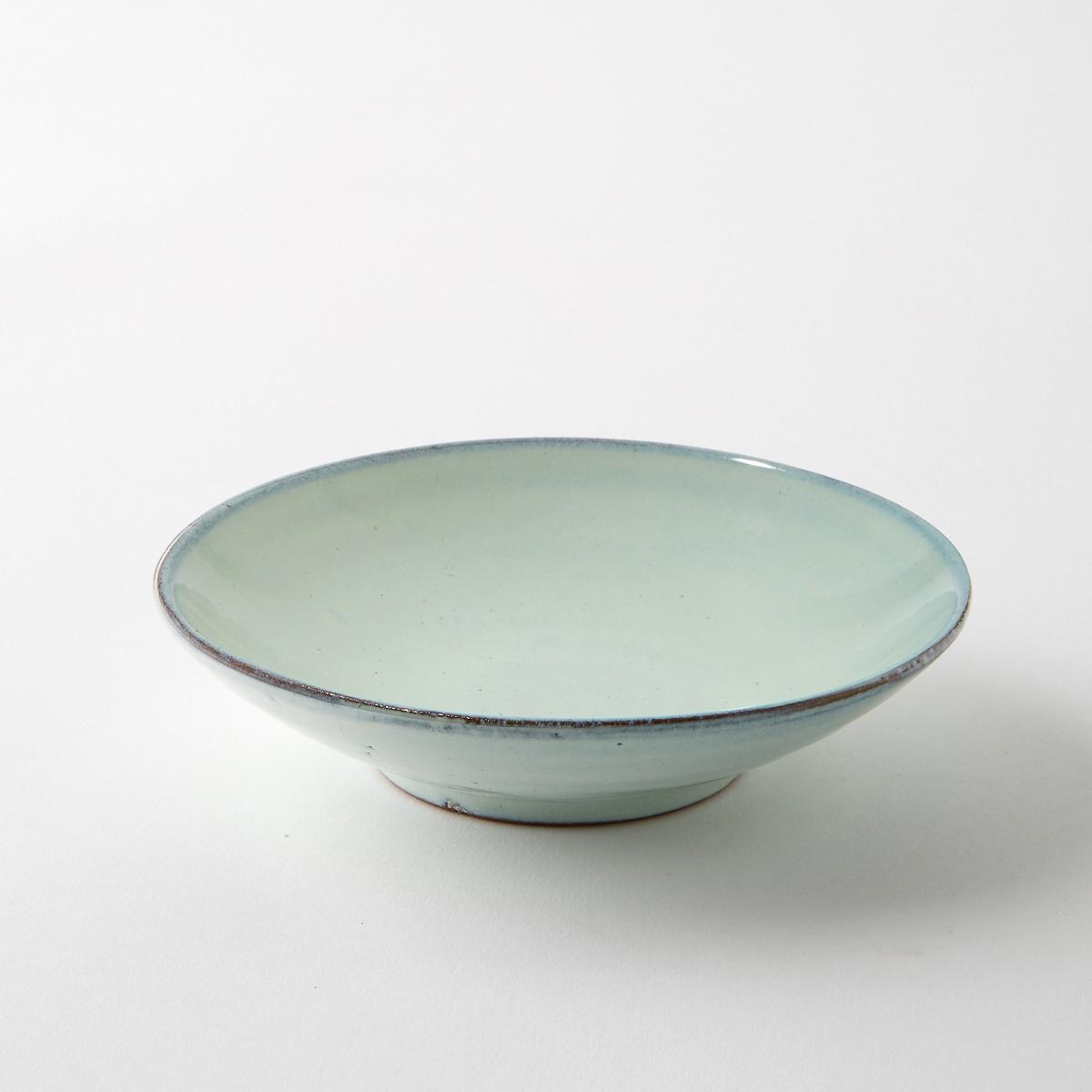 Чаша из керамики, диаметр 15 см, Aqua от SeraxЧаша Aqua от Serax. Новый керамический сервиз Aqua ручной работы преобразит Ваш праздничный стол. Эта посуда в голубых тонах подарит Вам свежесть в летние дни. Характеристики : - Из керамики, покрытой глазурью. - Можно использовать в посудомоечных машинах и микроволновых печах. - Вся коллекция Aqua на сайте ampm.ruРазмеры  : - диаметр 15 x высота 3,5 см.<br><br>Цвет: зелено-синий<br>Размер: единый размер