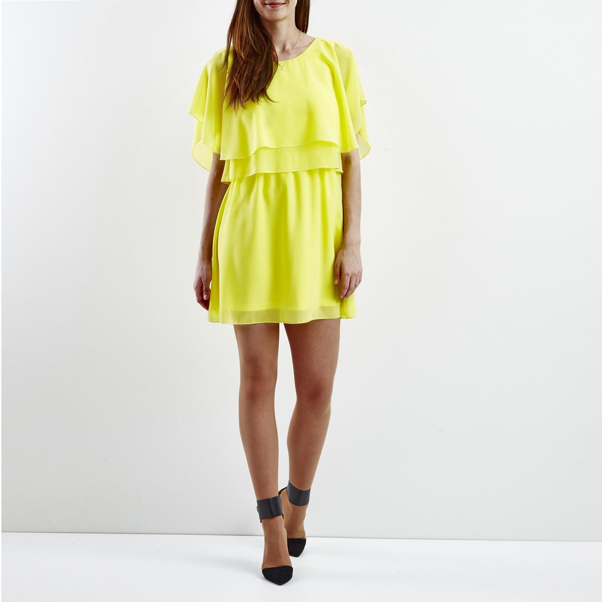 Платье короткое с короткими рукавамиДетали •  Форма : МИНИ •  короткое •  Короткие рукава    •   V-образный вырезСостав и уход •  100% полиэстер  •  Следуйте советам по уходу, указанным на этикетке<br><br>Цвет: желтый,коралловый,черный