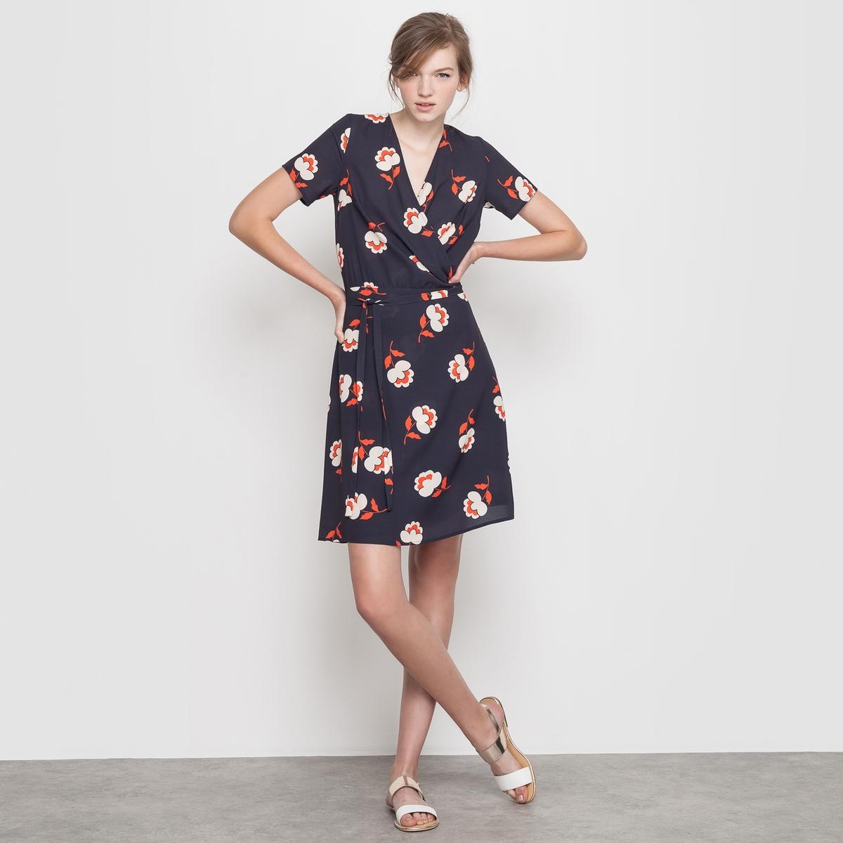 Платье с рисункомПлатье с рисунком, модель с нахлёстом. Ультра женственная модель с V-образным вырезом и нахлёстом спереди. Короткие рукава. Пояс с завязками сбоку.Состав и описаниеМатериал: 97% полиэстера, 3% эластанаДлина 95 смБренд: Mademoiselle R<br><br>Цвет: красный наб. рисунок,синий/наб. рисунок<br>Размер: 34 (FR) - 40 (RUS).42 (FR) - 48 (RUS)