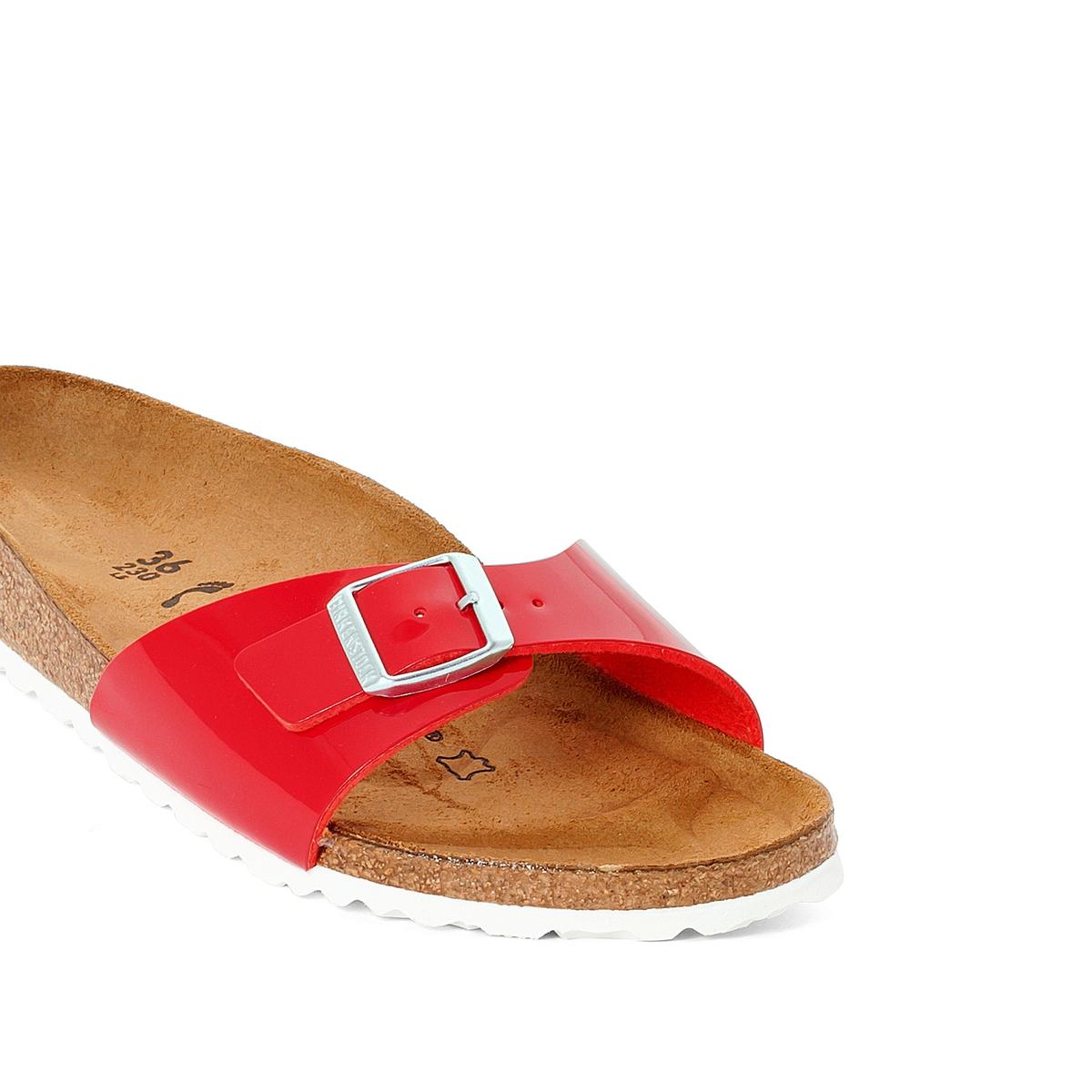 Туфли без задника синтетическиеДетали   •  Вьетнамки •  Застежка : без застежки •  Открытый мысокСостав и уход   •  Верх 100% синтетический материал •  Подкладка 100% текстиль •  Стелька 100% кожа •  Подошва 100% ЭВА<br><br>Цвет: красный лак