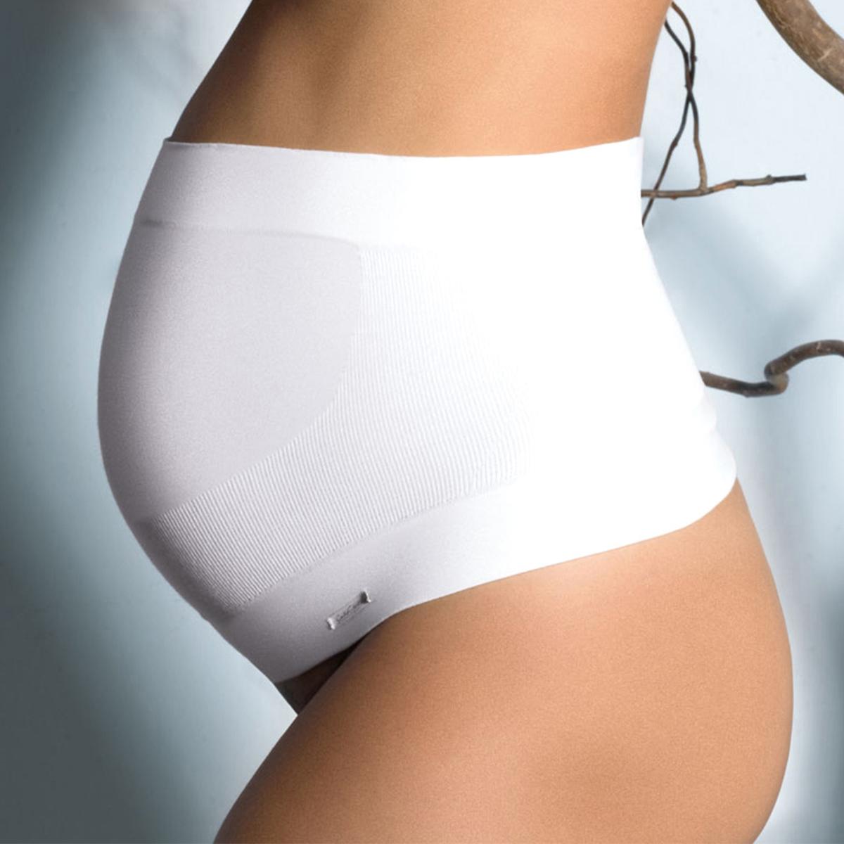 Бандаж поддерживающий для периода беременности Bio SignatureБандаж поддерживающий для периода беременности Bio Signature от Cache-C?ur. Этот бандаж обеспечивает поддержку живота в течение всей беременности. Он адаптируется к физиологическим изменениям в организме беременной женщины. Без швов. Из биохлопка.                               Состав и описание               Материал      86% хлопка, 10% полиамида, 4% эластана                Марка    CACHE-C?UR                              Уход                                             Машинная стирка при 30 °C<br><br>Цвет: экрю<br>Размер: S