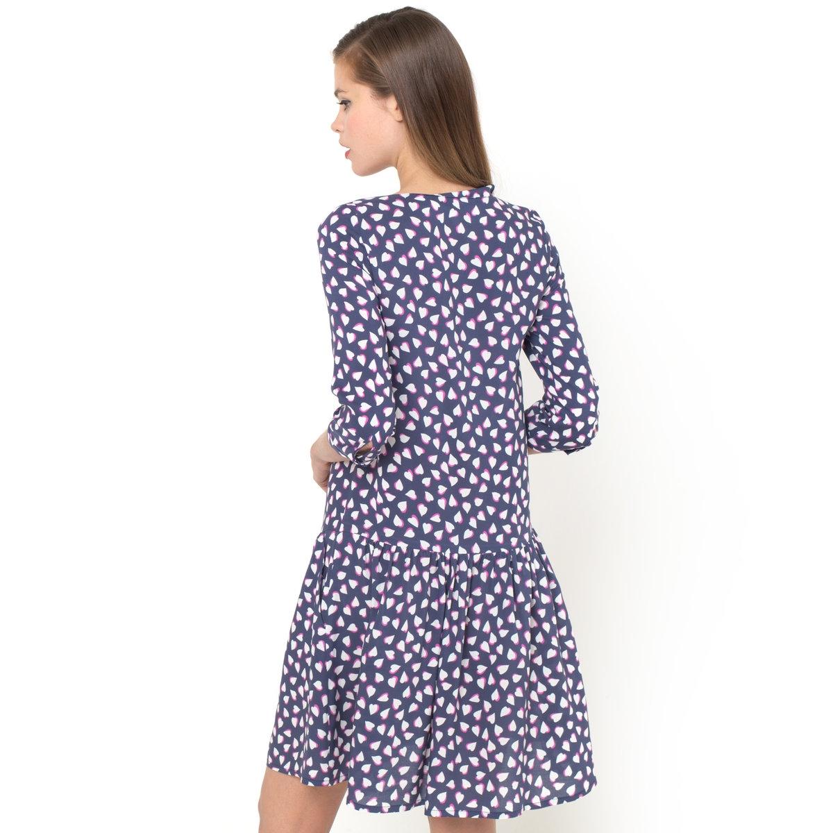 Платье с рисункомПлатье. 100% вискоза, рисунок на фоне в морском стиле. Круглый вырез. Рукава 3/4. Асимметричная ложная застежка на пуговицы спереди. Верх рукавов со складками. Боковые карманы. Застежка на молнию сзади. Длина ок.93 см.Платье - необходимый элемент любого гардероба! Рисунок отлично сочетается с любыми аксессуарами.Выберите балетки и черные колготки для дополнения образа. Создайте образ в стиле 60-ых с помощью цветных колготок, бабетты и макияжа в стиле Твигги!<br><br>Цвет: набивной рисунок<br>Размер: 32 (FR) - 38 (RUS)