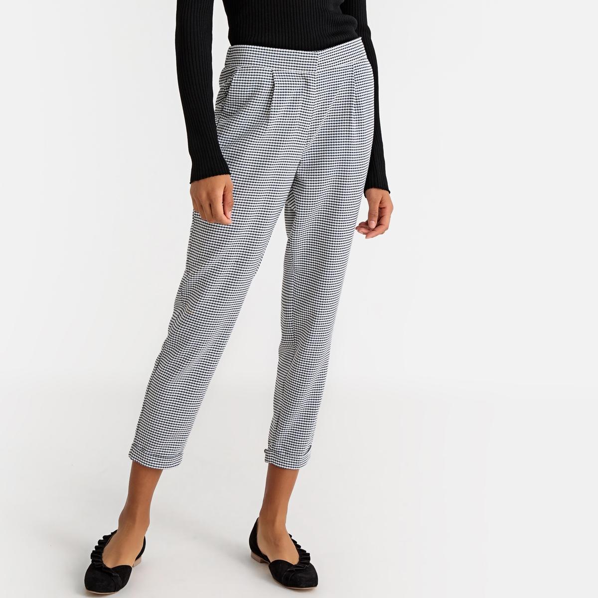 Pantalón slim con estampado vichy