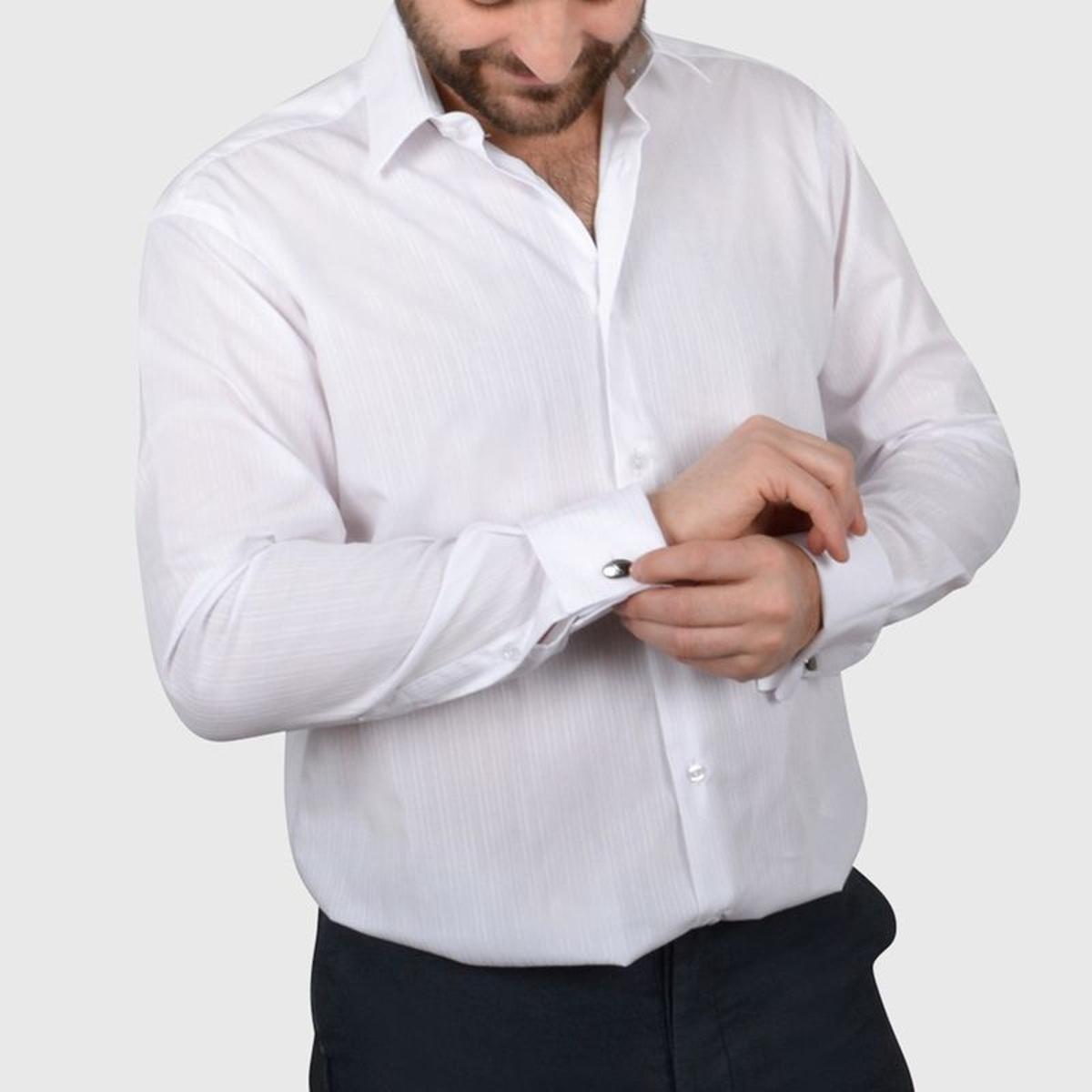 Chemise non cintrée poignets mousquetaires