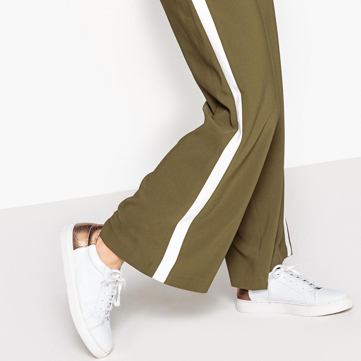 Zapatillas de piel tono cobre detrás