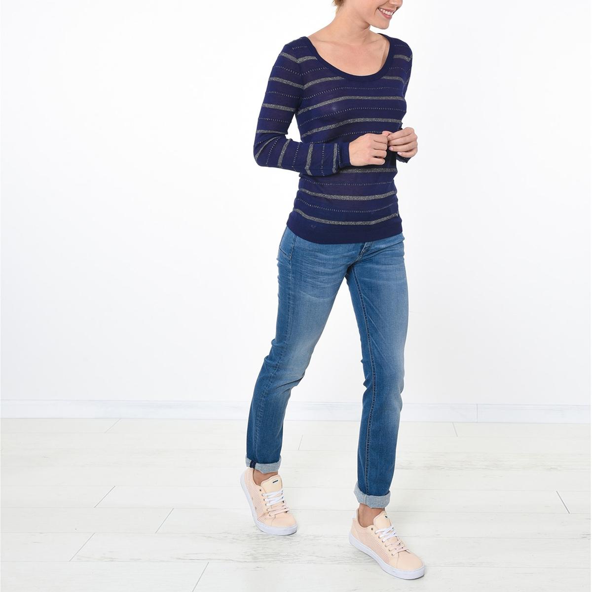 Пуловер с круглым вырезом из вискозыДетали  •  Классическая модель •  Длинные рукава •  Круглый вырез •  Тонкий трикотажСостав и уход •  90% вискозы, 2% полиамида, 8% полиэстера •  Следуйте советам по уходу, указанным на этикетке<br><br>Цвет: синий морской<br>Размер: S