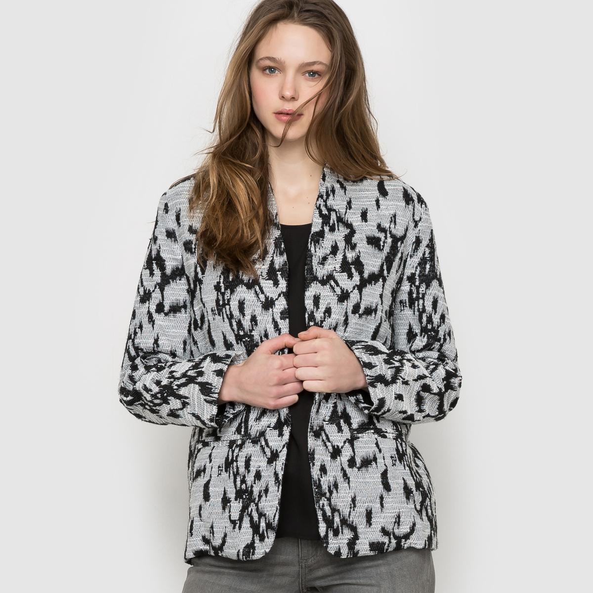 Пальто жаккардовое, короткоеЖаккардовое пальто SUNCOO. Пёстрый чёрный орнамент на сером меланжевом фоне. 2 прорезных кармана. Состав&amp;деталиМатериал: 100% полиэстера       Подкладка: 100% вискозыМарка SUNCOO<br><br>Цвет: серый/черный рисунок