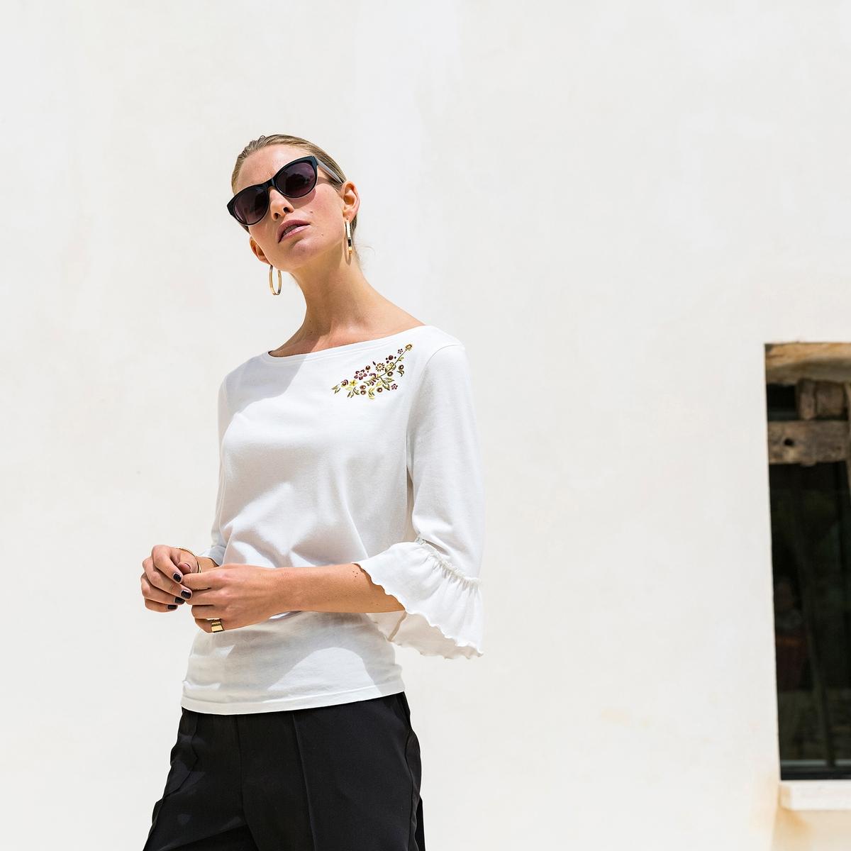 Imagen principal de producto de Camiseta con cuello b arco y mangas con volantes - Anne weyburn