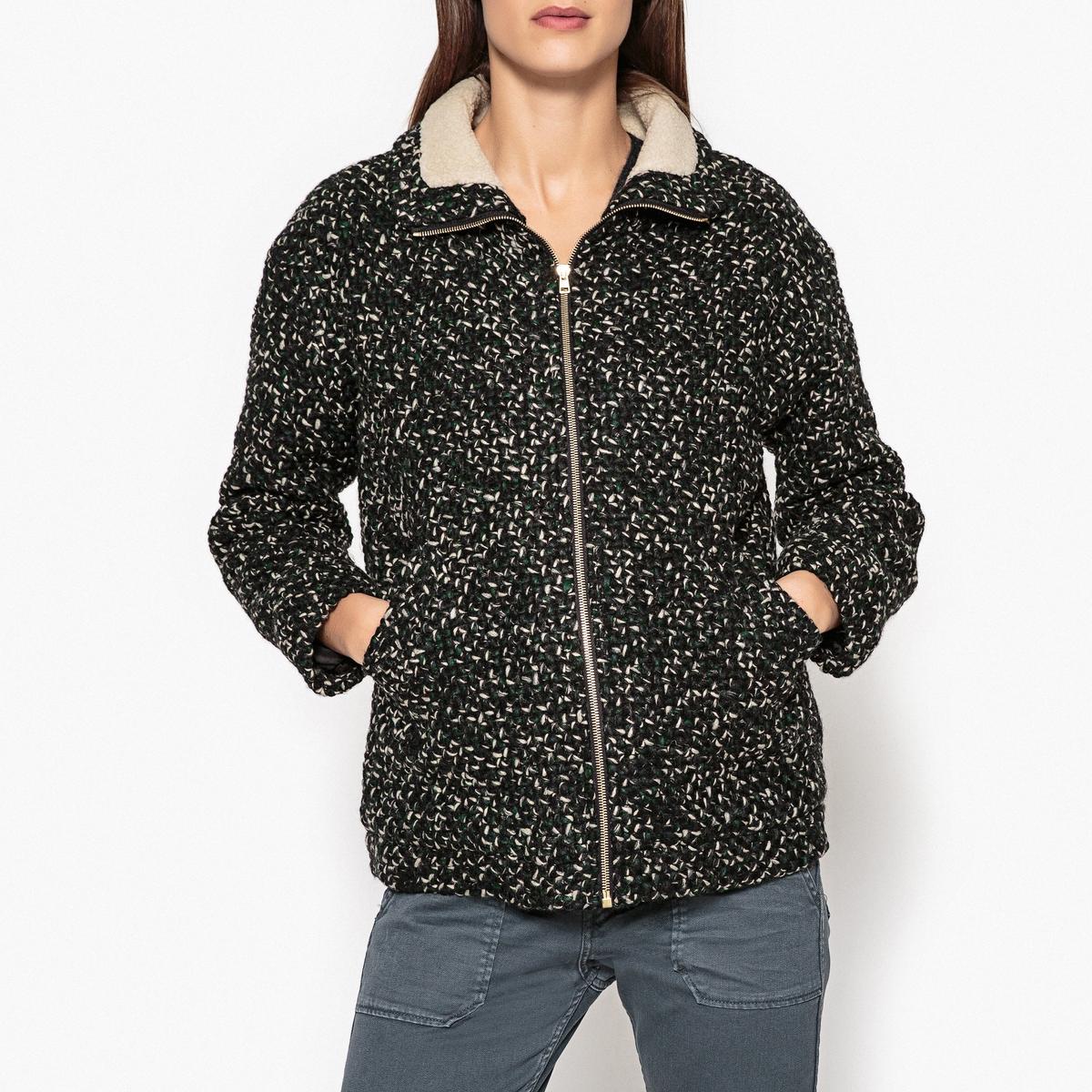 Куртка на молнии COOPERОписание:Куртка на молнии из трикотажа BA&amp;SH - модель COOPER. Застёжка на молнию и два боковых кармана из шерстяного цветного трикотажа меланж .Детали   •  Длина : укороченная •  Воротник-стойка •  Застежка на молниюСостав и уход •  38% шерсти, 54% акрила, 8% полиамида •  Следуйте советам по уходу, указанным на этикетке • Низ прямой •  Детали из искусственного меха<br><br>Цвет: зеленый