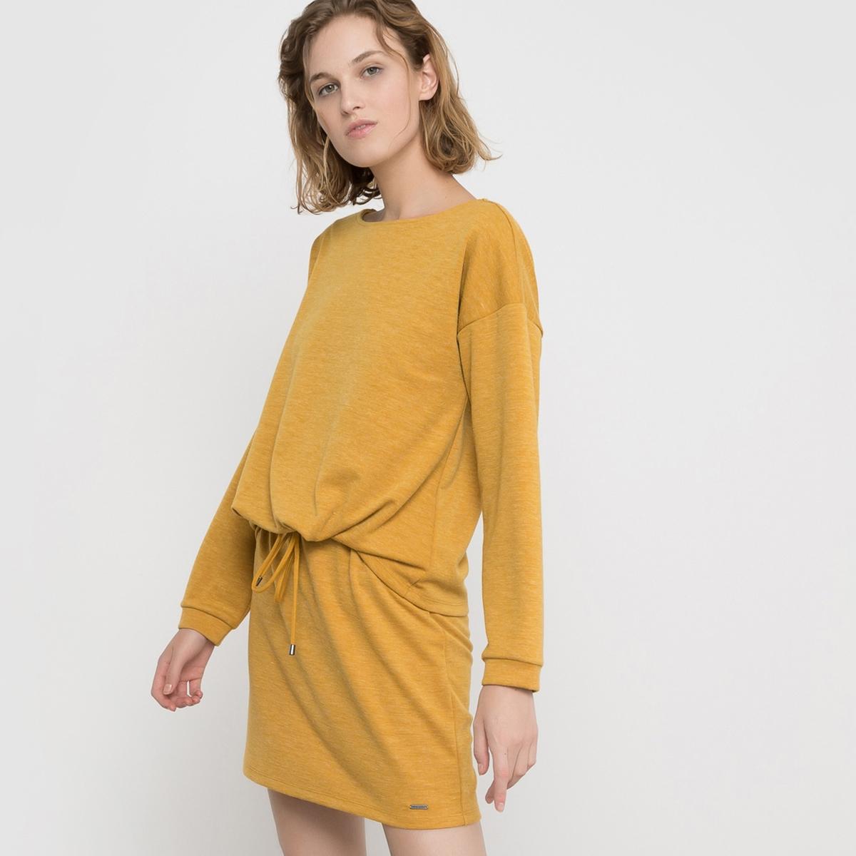 Платье меланж с длинными рукавами, VMNORAПлатье с длинными рукавами VMNORA от VERO MODA. Платье из ткани меланж и с отделкой манжет в рубчик. Свободный круглый вырез. Шнурок с завязками и напускной эффект на поясе. Состав и описаниеМарка : VERO MODA.Модель : VMNORA Материал : 80% полиэстера, 15% вискозы, 5% эластана.<br><br>Цвет: горчичный
