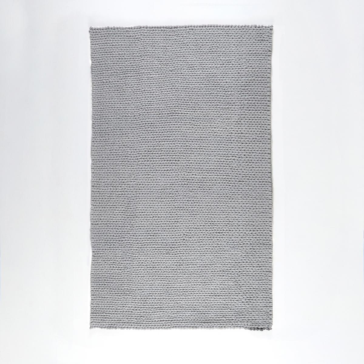 Коврик прикроватный Diano, 100% шерсть, с эффектом трикотажной тканиХарактеристики прикроватного коврика из 100% шерсти с эффектом трикотажной ткани, Diano   :Очень высокое качество : 100% шерсти, 3400 г/м?.2 варианта расцветки : экрю и серый.Вы можете найти коврик  Diano на laredoute .ruРазмеры прикроватного коврика из 100% шерсти с эффектом трикотажной ткани, Diano    :Ширина : 60 смДлина : 110 смСоветы по уходу :Прикроватные коврики из шерсти могут терять ворс в течение первых месяцев использования. Это не дефект производства. Это явление обычно проходит после одного-двух проходов коврика пылесосом (всегда двигайте пылесос в направлении ворса и никогда против ворса).<br><br>Цвет: антрацит,серый мышиный<br>Размер: 60 x 110  см