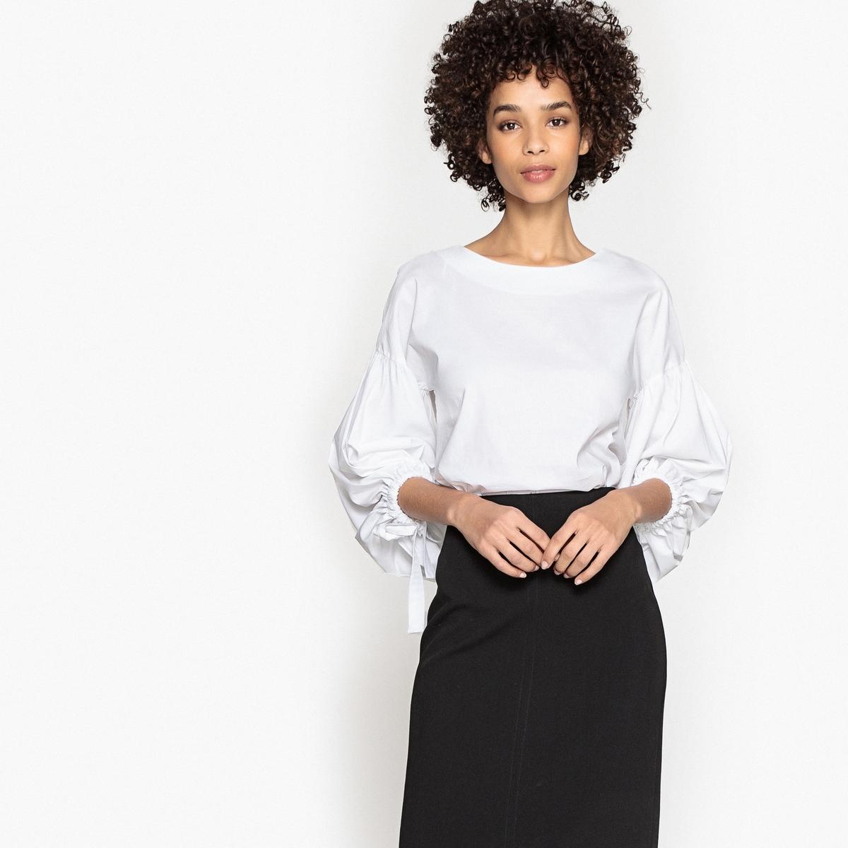 Блузка с вырезом-лодочка