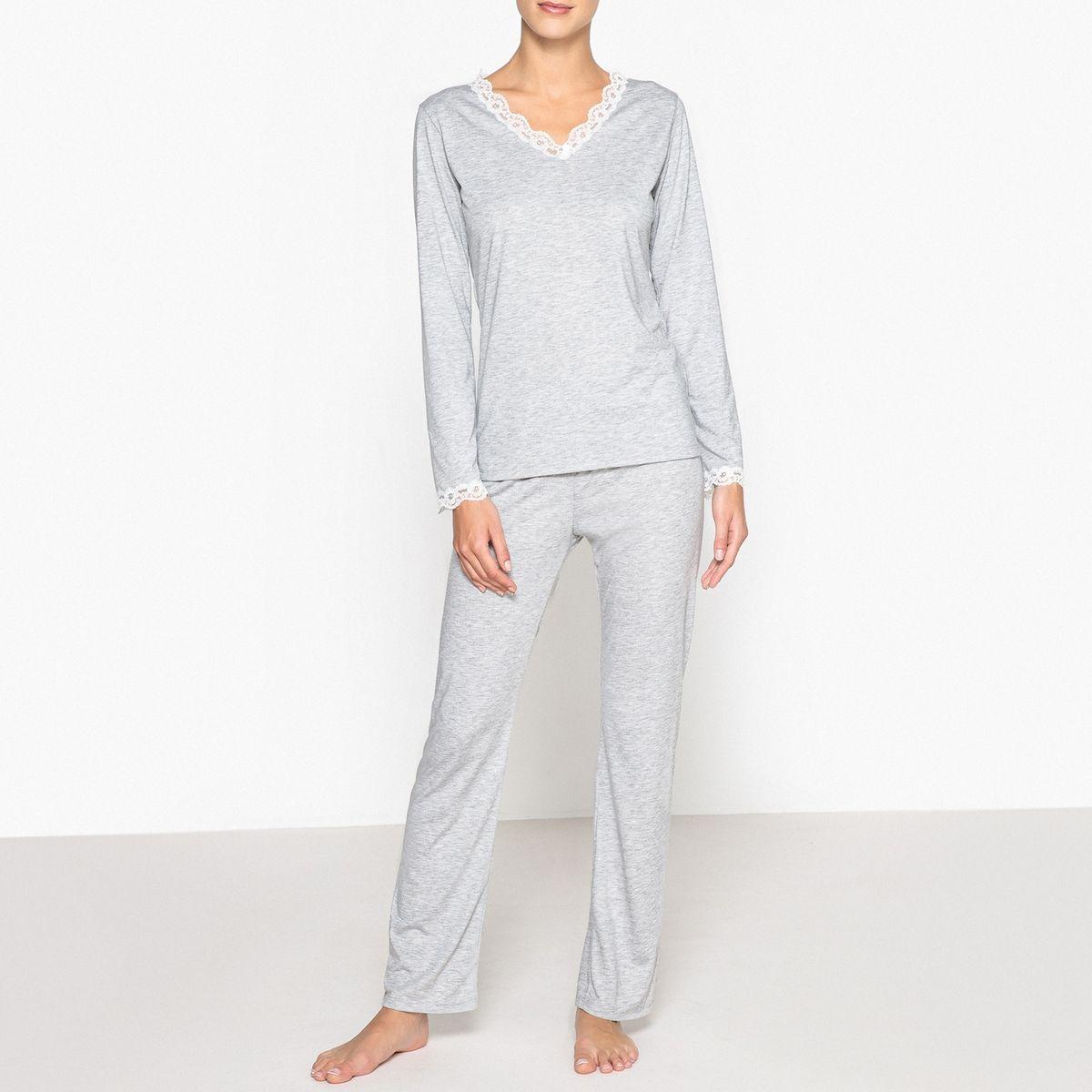 Pyjama, détails dentelle
