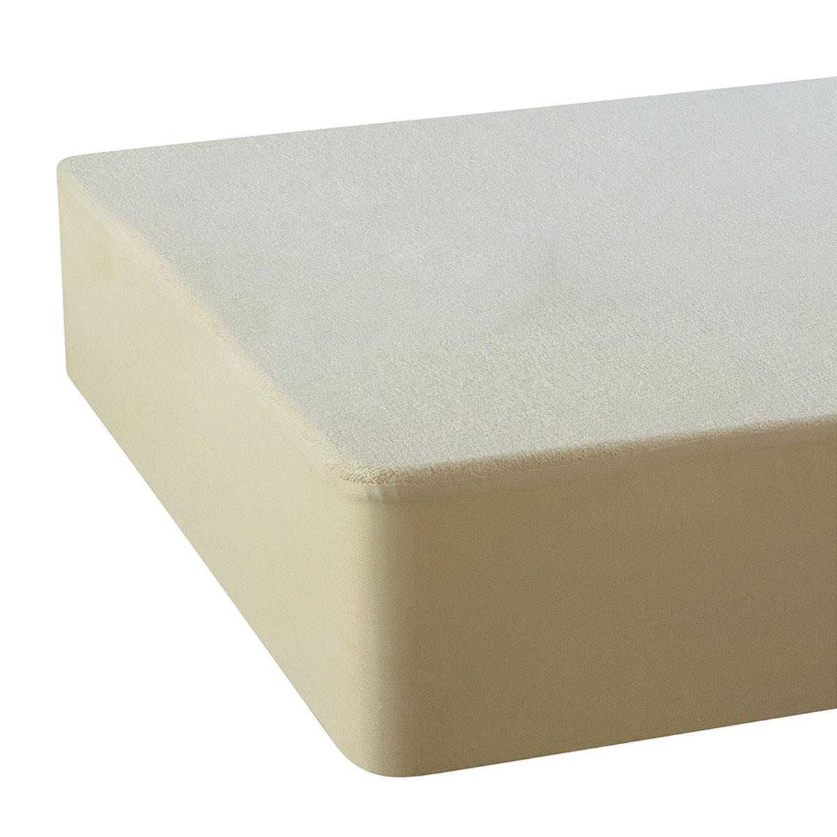 Чехол для матраса с обработкой Pur Essential®ХарактеристикиОписание защитного чехла :Подстилка в форме чехла.Мольтон с начесом (260 г/м?), 85% переработанного хлопка (полученного в результате повторного использования отходов текстильного производства, чтобы ограничить перерасход материала и снизить воздействие на окружающую среду), 15% полиэстера с обеих сторон.Обработка Pur Essential® на основе натуральных активных веществ против клещей, плесени, бактерий и аллергий.Клапан из джерси стретч и чистого хлопка позволяет использовать чехол для матрасов до 30 см шириной.Стирка при температуре до 60°. Биоцидная обработка<br><br>Цвет: экрю