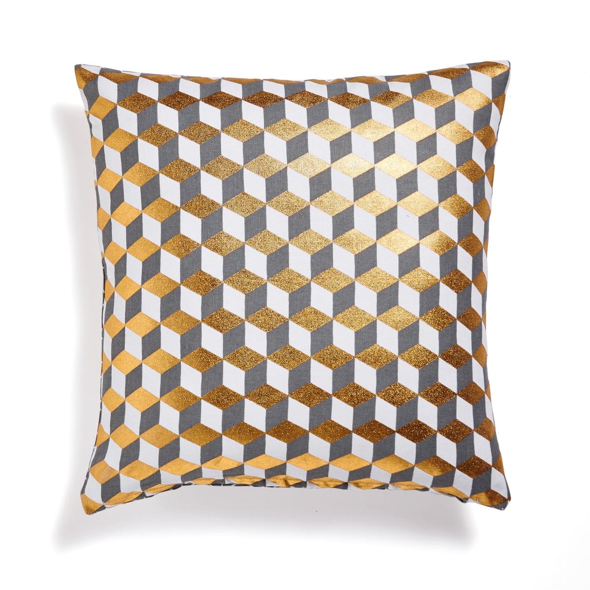 Чехол для подушкиЧехол для подушки Decio. Красивый геометрический рисунок с одной стороны, однотонный белый цвет с другой стороны. Застежка на скрытую молнию в тон. Стирка при 30°. 100% хлопка. Размер: 40 х 40 см.<br><br>Цвет: сине-зеленый/розовая пудра<br>Размер: 40 x 40  см