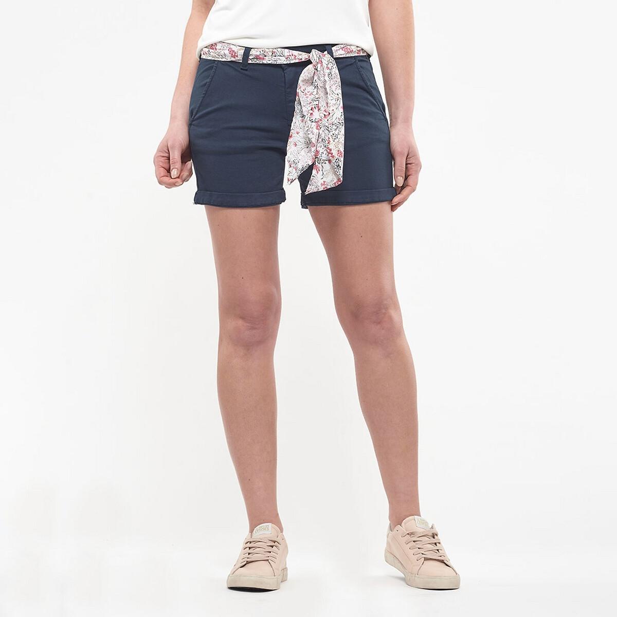 Short, ceinture fleuris