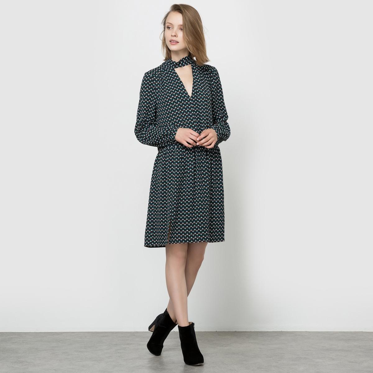 Платье с длинными рукавами, воротник с бантом, карманыСостав и описаниеМарка : SEE U SOONМатериалы : 100% полиэстера. Подкладка 100% полиэстера.<br><br>Цвет: черный наб. рисунок<br>Размер: XS.M