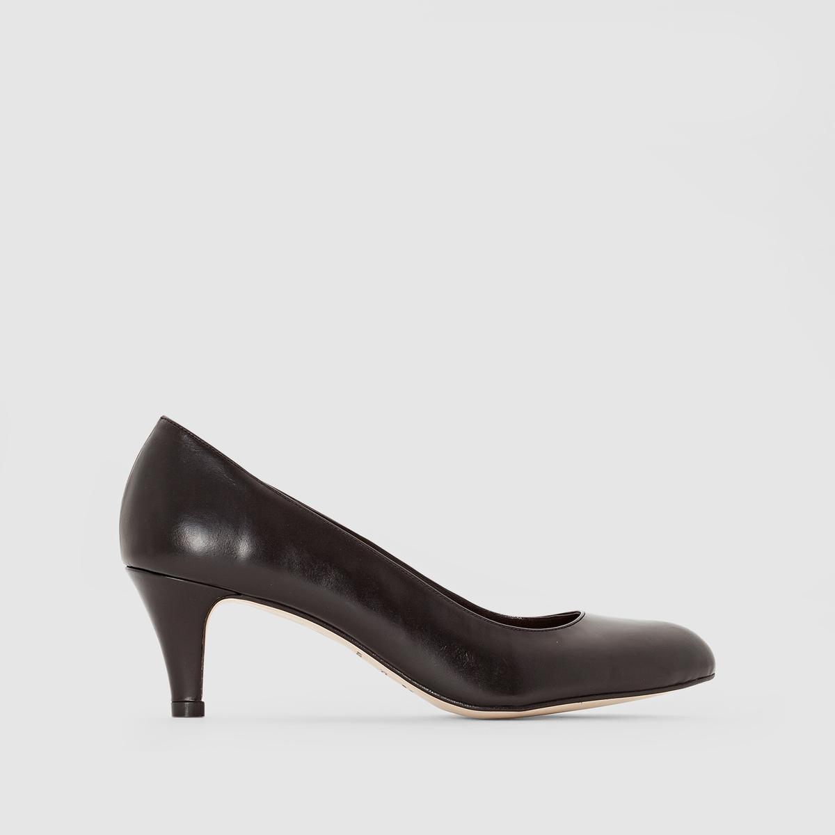 Туфли на каблуке 11211Материал внешний/внутрений : Кожа         Подкладка : Кожа   Подошва: эластомер   Высота каблука: 5 смФорма каблука : Тонкий каблук   Носок : ЗакругленныйЗастежка: без застежки<br><br>Цвет: черный<br>Размер: 37.39.40