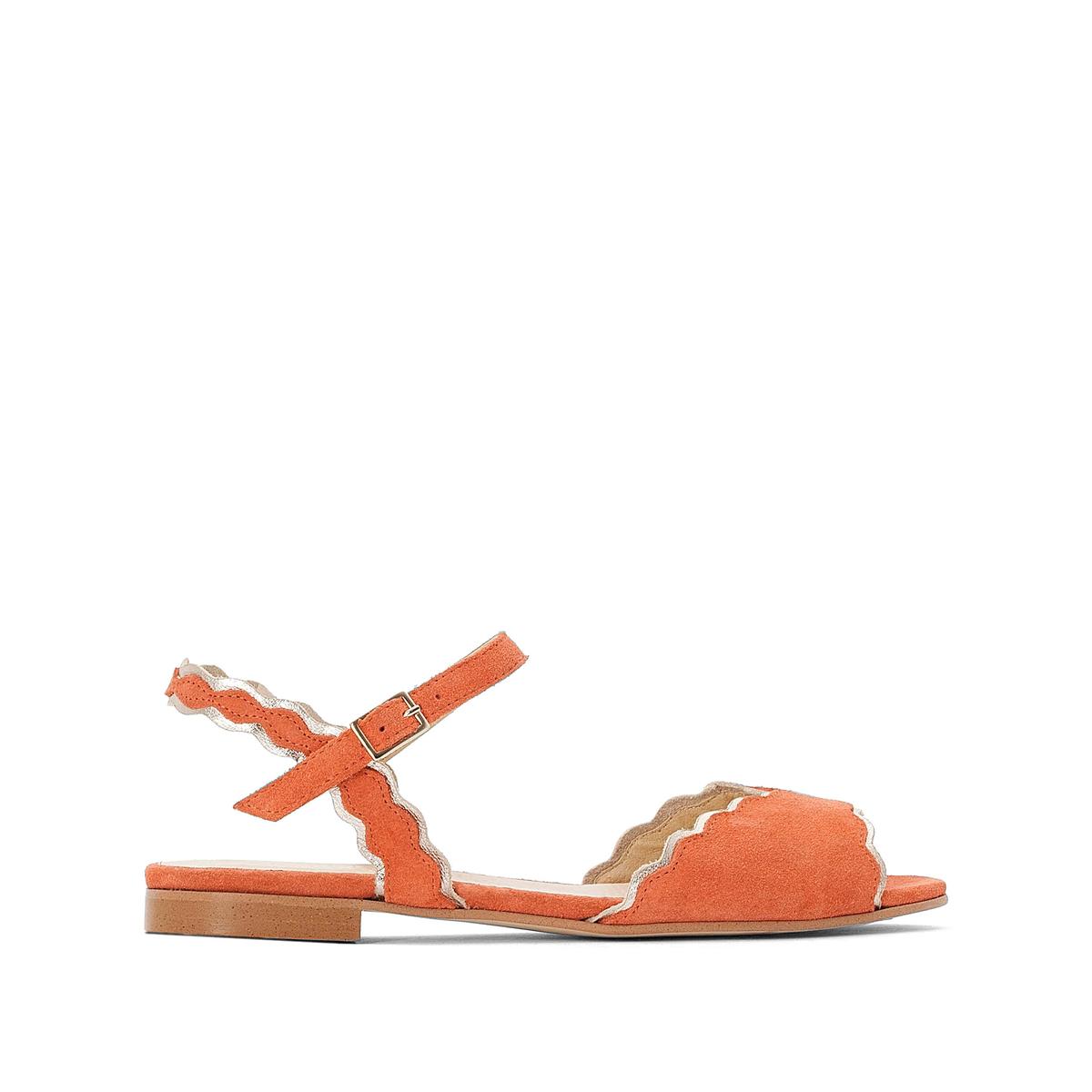 Sandalias de piel con detalles dorados