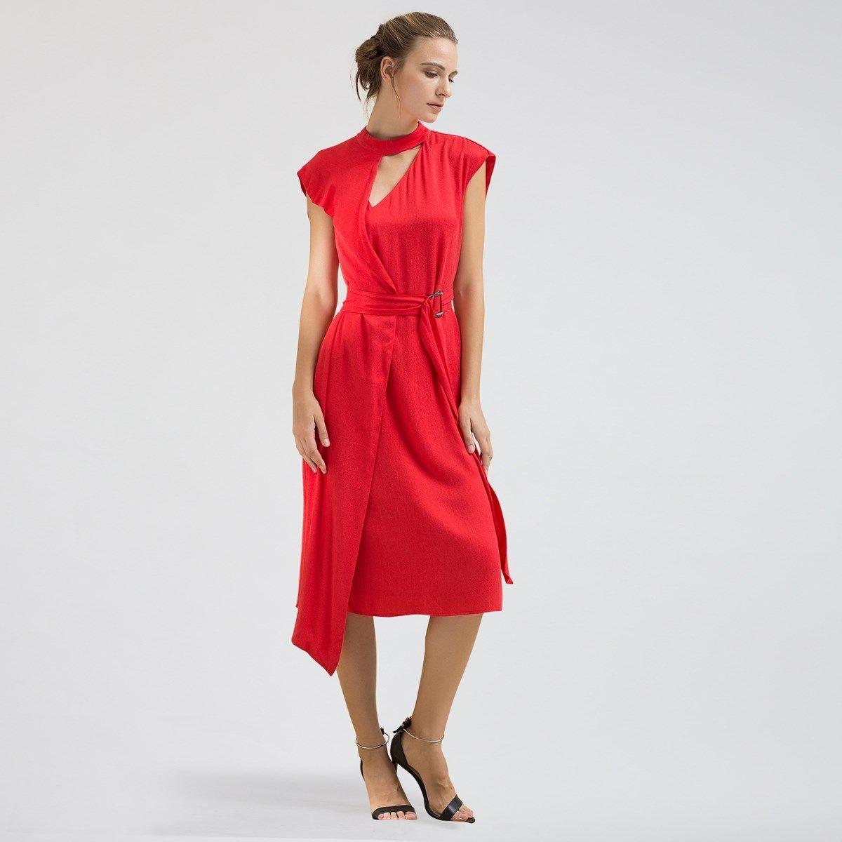 Robe mi-longue asymétrique ample