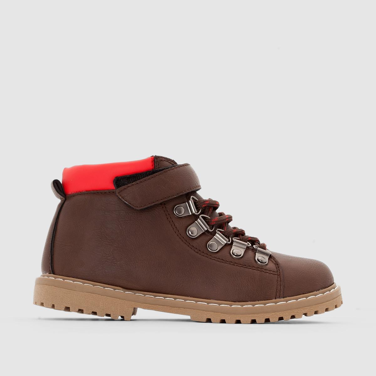 Ботинки горныеБотинки для походов, внушающие солидность, со шнуровкой и планкой-велкро для отличной фиксации и посадки и стеганный контрастный верх, придающий им комфорт и стиль: ботинки для любых поверхностей идеальны для наших маленьких непосед !<br><br>Цвет: серо-коричневый<br>Размер: 31.32.28.30