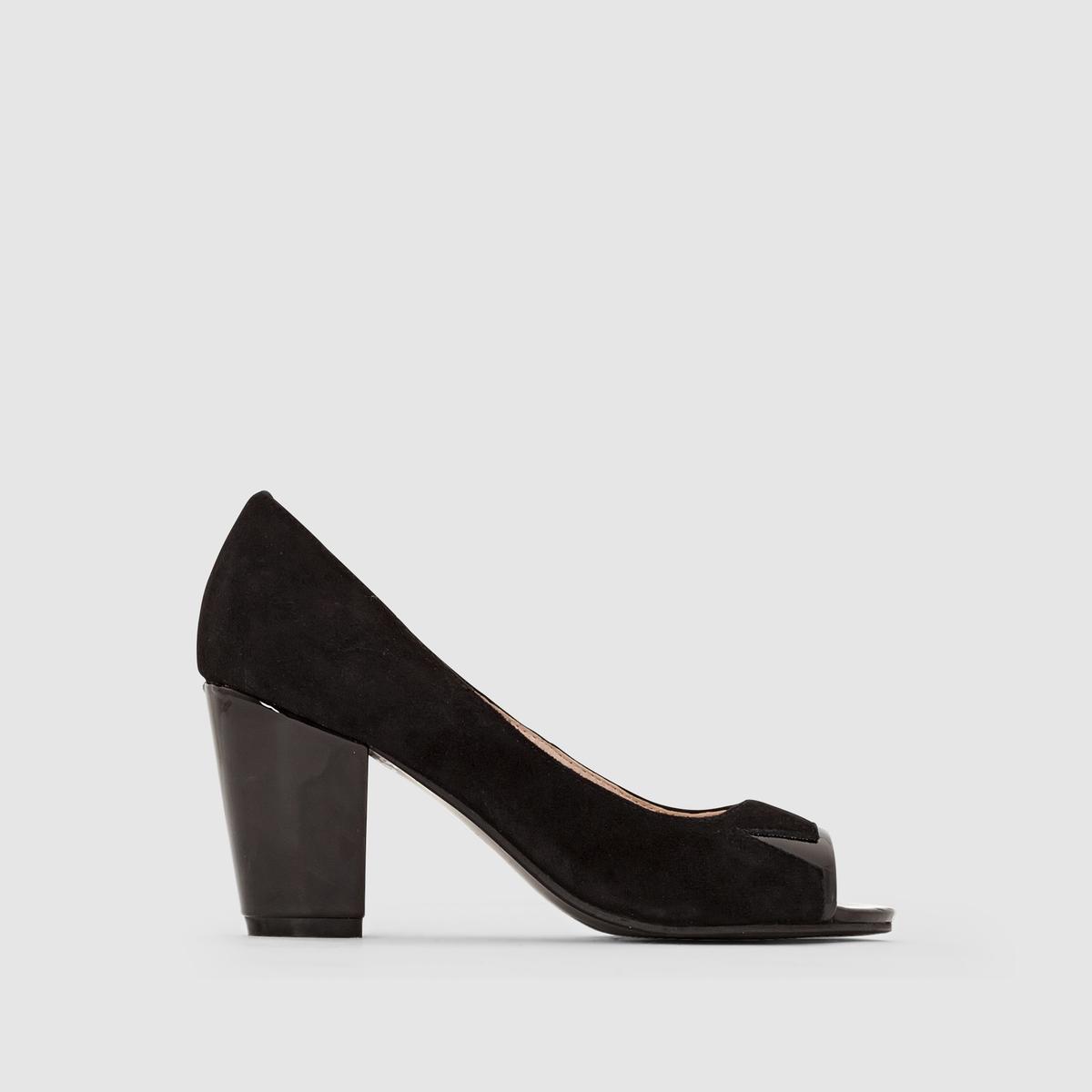 Туфли с открытым мыскомПреимущества : широкий лакированный каблук, устойчивый и удобный, небольшие лакированные детали на открытом мыске.<br><br>Цвет: черный<br>Размер: 43.38