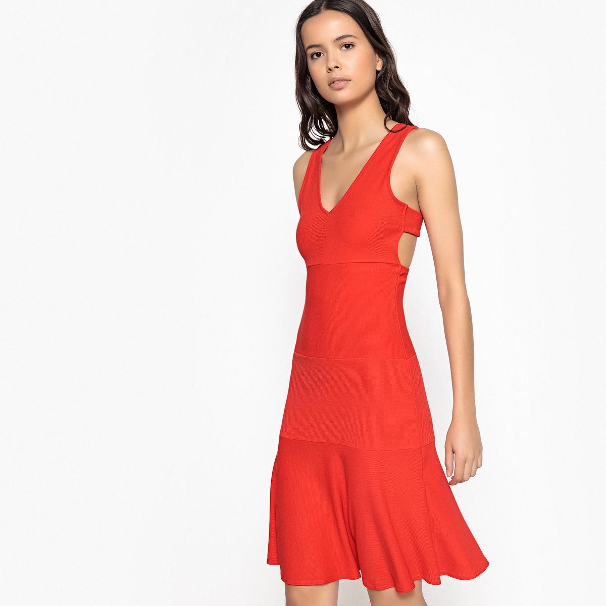 Платье короткое расклешенное однотонное, без рукавов