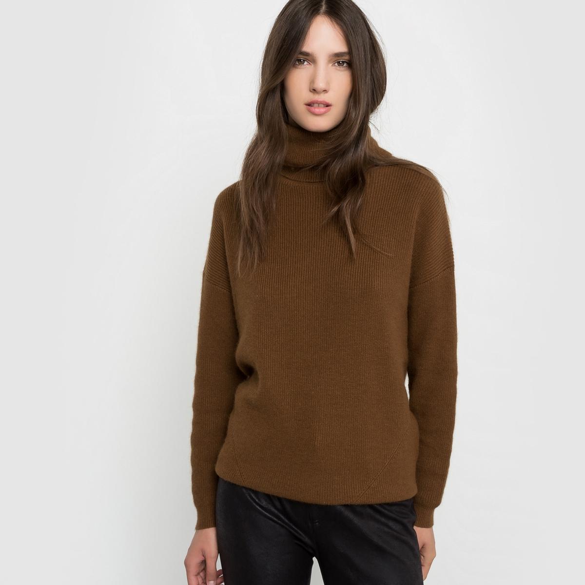 Пуловер свободного покроя с закатывающимся воротникомСостав и описаниеМарка : SEE U SOONМатериал :  35% кашемира, 35% шерсти, 20% полиамида, 10% вискозыУходРучная стирка<br><br>Цвет: хаки<br>Размер: S/M