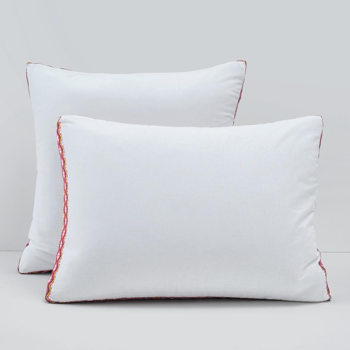 Наволочка, ArubanНаволочка Aruban из 100% хлопковой ткани спокойных тонов украшена цветной лентой по контуру, что придает ей индивидуальности. Характеристики наволочки Aruban :100% хлопок, 57 нитей/см? : чем больше количество нитей на см?, тем выше качество материала.Однотонный материал, форма чехол. Отделка разноцветной лентой.Машинная стирка при 60 °С.Однотонную натяжную простыню той же расцветки коллекции Sc?nario из хлопка и всю коллекцию постельного белья Aruban вы можете найти на сайте laredoute.ru.Знак Oeko-Tex® гарантирует, что товары прошли проверку и были изготовлены без применения вредных для здоровья человека веществ.Размеры :Квадратная наволочка : 63 x 63 см.Прямоугольная наволочка : 50 x 70 см.<br><br>Цвет: белый,фиолетовый<br>Размер: 50 x 70  см