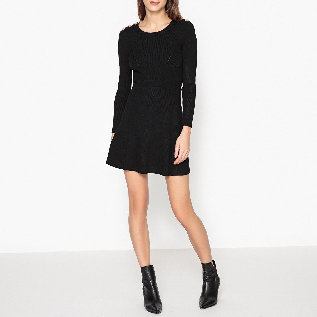 Платье,расширяющееся к низу KILIMОписание:Платье BA&amp;SH - модель KILIM с позолоченными пуговицами на плечах и подсобранным поясом, подчеркивающим расклешенный покрой и женственность .Детали  •  Форма : расклешенная •  Укороченная модель •  Длинные рукава     •  Круглый вырезСостав и уход  •  53% вискозы, 26% полиамида, 21% полиэстера •  Следуйте советам по уходу, указанным на этикетке<br><br>Цвет: черный