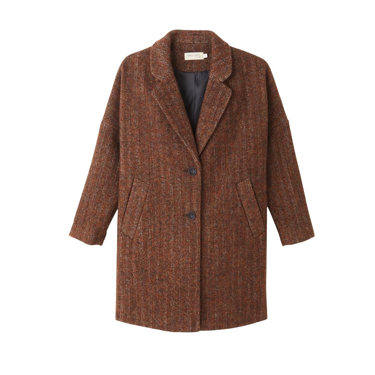 Пальто женское оверсайз средней длиныОписание:С этим пальто размера оверсайз Вам будет тепло и в холодное время года. Также зигзагообразный рисунок и свободный размер позволят Вам всегда оставаться в тренде сезона!Детали •  Длина: средняя •  Воротник-поло, рубашечный • Застежка на пуговицыСостав и уход •  50% шерсти, 50% полиэстера •  Следуйте советам по уходу, указанным на этикетке<br><br>Цвет: темно-красный/каштановый<br>Размер: S/M