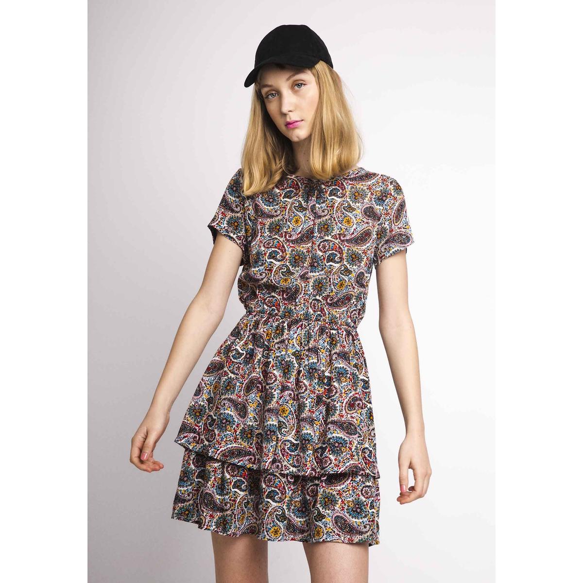 Платье короткое с короткими рукавами и воланами