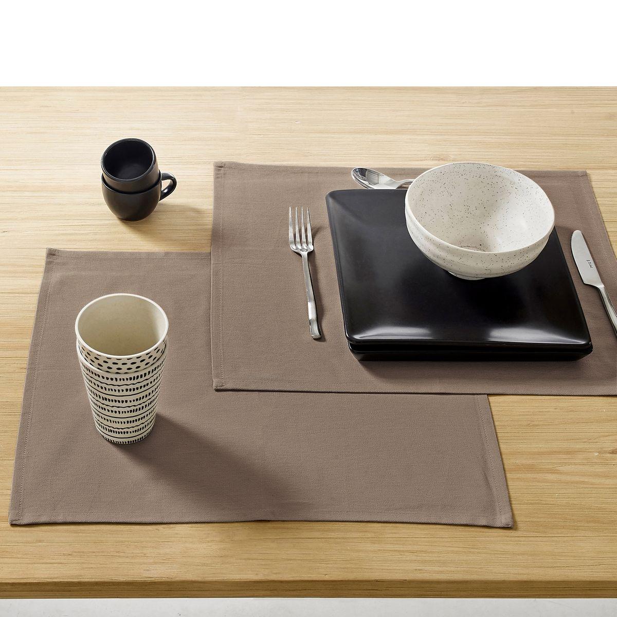 Sets de table enduit anti-taches (lot de 4)