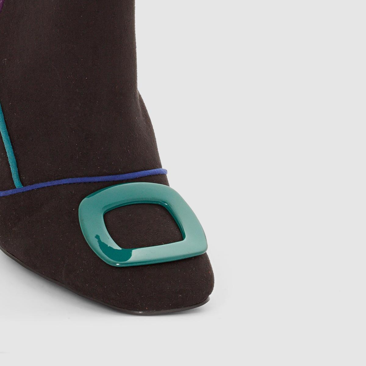 Ботильоны на каблуке с пряжкойБотильоны на каблуке MADEMOISELLE RВерх : невыделанная кожа (яловичная)Подкладка : кожа Стелька : кожаПодошва : эластомерЗастежка : на молниюПреимущества : ботильоны в элегантном и современном стиле, на высоком каблуке и с застежкой на молнию .<br><br>Цвет: черный<br>Размер: 40.39.37.36