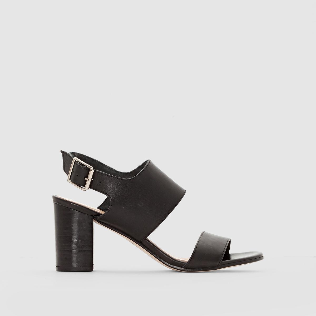 Босоножки из кожи на каблукеБосоножки из кожи на каблуке, Diaz от JONAK        Верх: коровья кожа. Подкладка: кожа.   Стелька: кожа.   Подошва: из эластомера. Застежка: ремешок с пряжкой.Высота каблука: 7 см.  Эти женственные кожаные босоножки покорят вас универсальностью своего дизайна: они одинаково хорошо смотрятся в офисе и на пляже, во время прогулок по городу и веселых вечеринок. Сочетая их с джинсами или летним платьем: вы не перестанете благодарить марку Jonak за эту модель обуви !<br><br>Цвет: коньячный,черный<br>Размер: 36.37.38.39