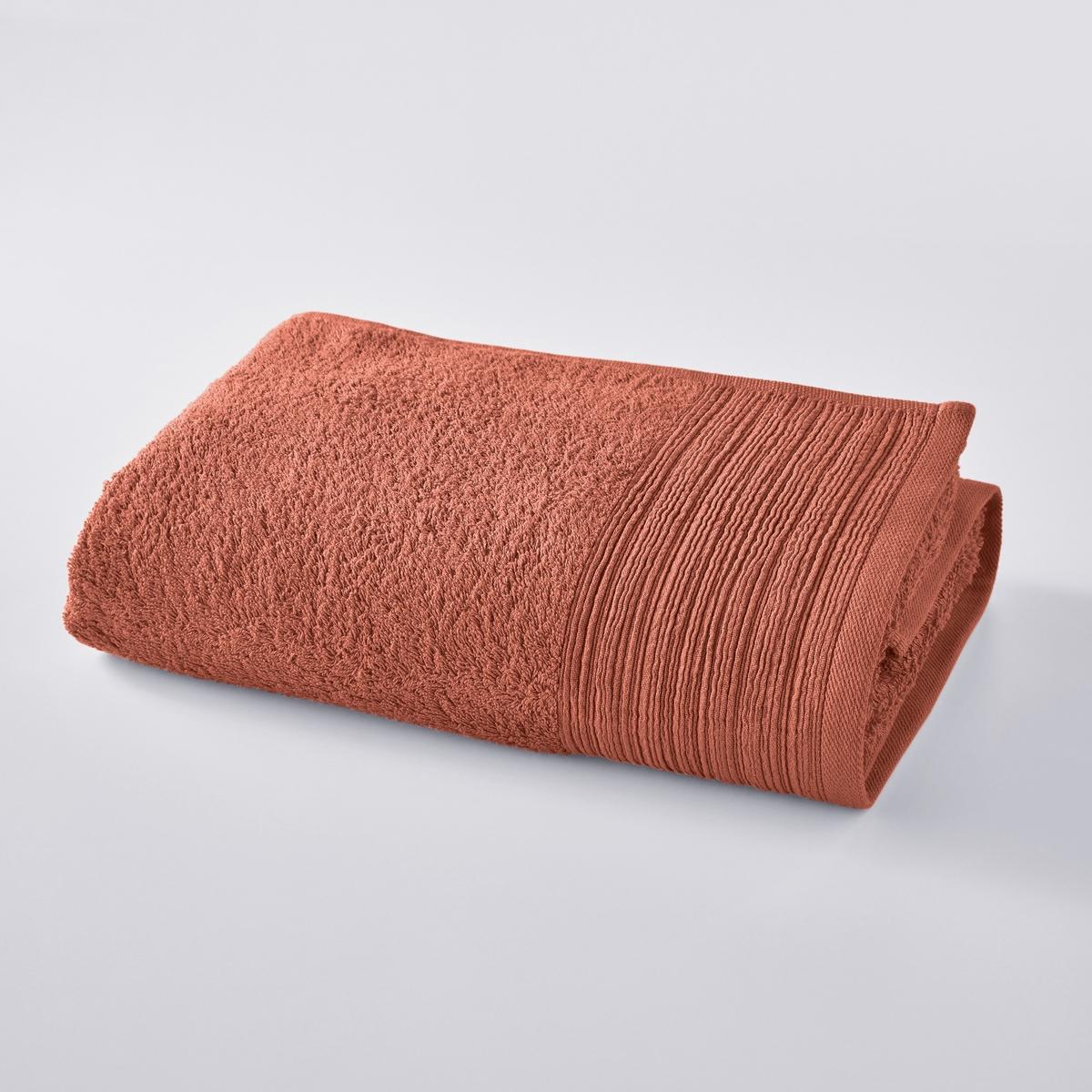 Полотенце однотонное махровое из био-хлопкаХарактеристики полотенца однотонного из био-хлопка:- Махровое петлями, 100% хлопок биологический (500 г/м?) великолепного качества.- бработка краёв плиссе.Стирка при 60°.- Машинная стирка.- Мягкость в течение длительного времени, особая прочность, великолепно сохраняется цвет после стирок.- Размеры: 70 x 140 см.Знак Oeko-Tex® гарантирует, что товары протестированы и сертифицированы, не содержат вредных для здоровья веществ.<br><br>Цвет: терракота