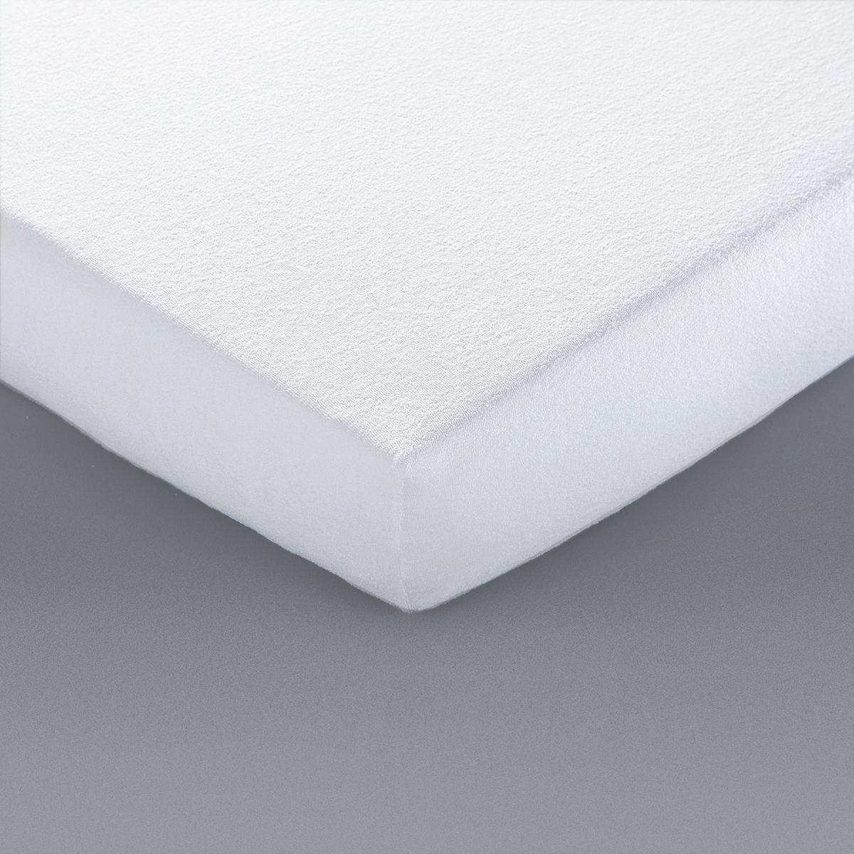 Чехол защитный для матраса с противомикробной обработкойНатяжной защитный чехол для матраса из эластичного материала. Клапан 27 см (для матрасов толщиной до 25 см).Описание натяжного защитного чехла для матраса :Натяжной защитный чехол из эластичной махровой ткани букле, 85 % хлопка, 15 % полиэстера.Полностью на резинке.Характеристики натяжного защитного чехла для матраса :Обработка : Обработка Aegis® против клещей и микробов гарантирует Вам комфортный, здоровый и безопасный сон. Эта пропитка позволяет бороться с неприятными запахами и устойчива к множественным стиркам (безопасно для дома и окружающей среды).Уход: : Машинная стирка при 60 °С.Изделие с биоцидной обработкойОткройте для себя нашу коллекцию постельных принадлежностей на сайте laredoute.ru<br><br>Цвет: белый