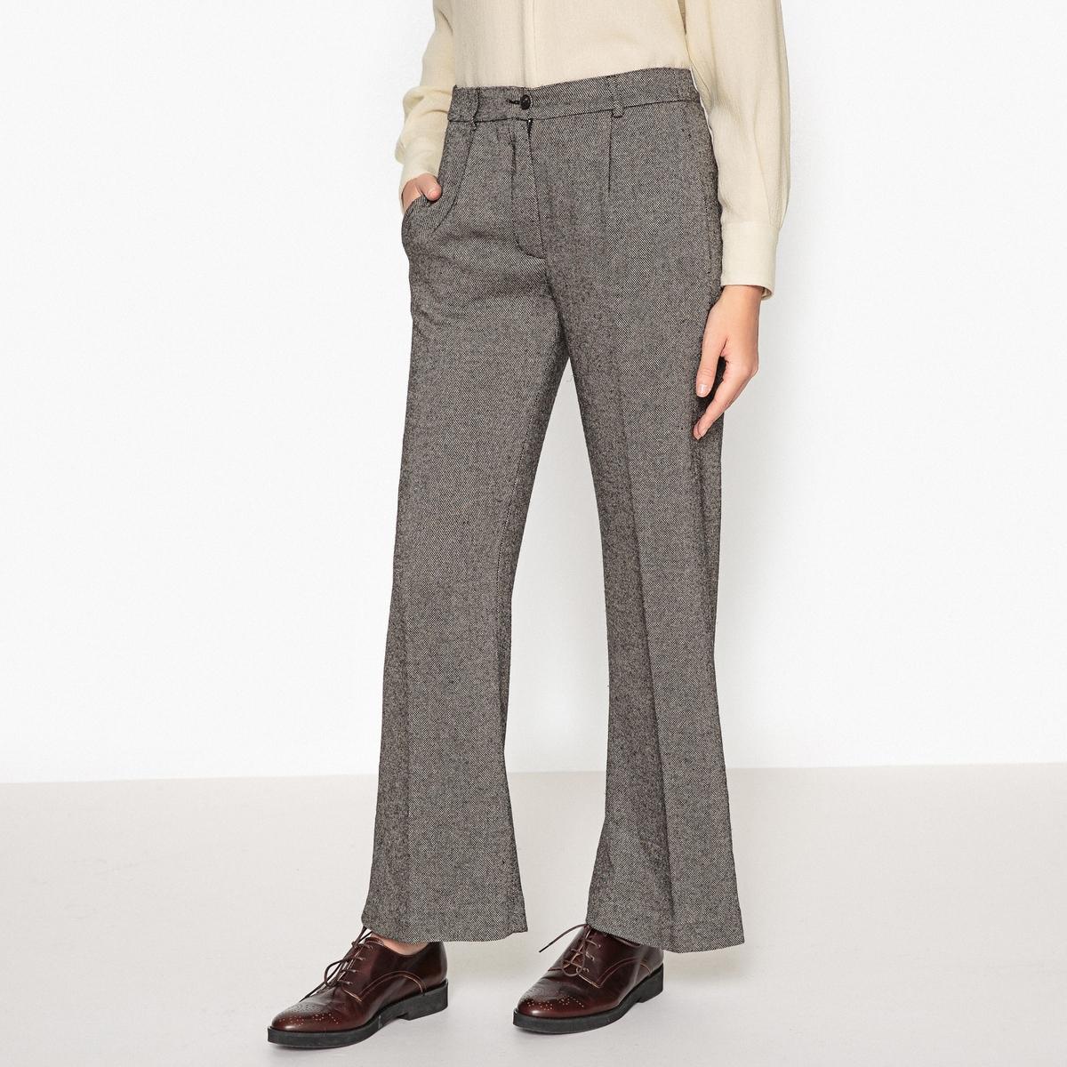 Брюки двухцветные свободного покроя PARIZOОписание:Свободные двухцветные брюки DIEGA - модель PARIZO с карманом сбоку и поясом со шлевками..Детали   •  Широкий покрой   •  Стандартная высота поясаСостав и уход   •  70% вискозы, 25% шерсти, 5% полиамида •  Следуйте советам по уходу, указанным на этикетке<br><br>Цвет: серый