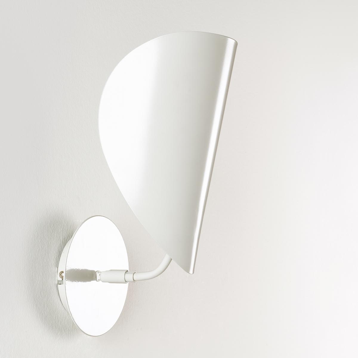 Бра FunambuleБра Funambule. Тонкая и воздушная форма, вдохновленная движущимися объектами и природой, поворачивающийся абажур в форме листа. Бра отлично подходит для любой комнаты.Характеристики :Из металла с матовым эпоксидным покрытием- Патрон E14 для компактной флуоресцентной лампы макс. 8 Вт (продается отдельно)- Совместим с лампами класса энергопотребления A Размеры :- Ш.30 x В.30 x Г.17 см.<br><br>Цвет: серо-бежевый