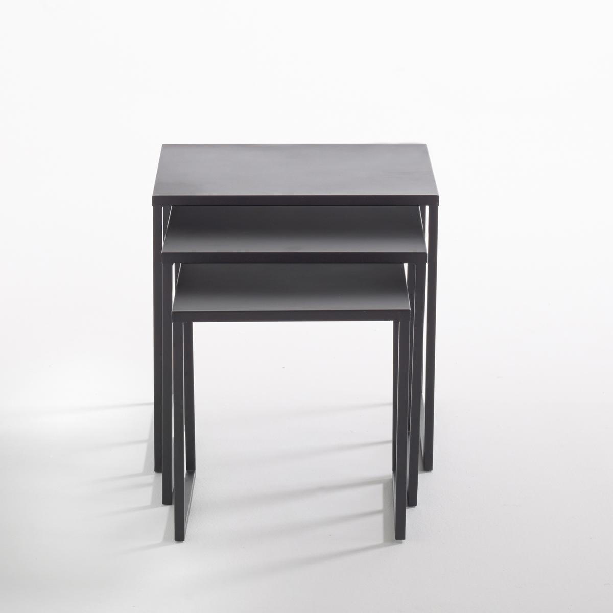 Комплект из 3 журнальных столиков, вдвигающихся один в другой, Hiba3 столика Hiba, вдвигающихся один в другой, из стали, покрытой матовым лаком черного цвета. Очень модный промышленный стиль, небольшие практичные журнальные столики можно использовать все вместе или по отдельности.Описание столиков Hiba, вдвигающихся один в другой, из лакированной стали :3 столика разных размеровХарактеристики столиков Hiba, вдвигающихся один в другой, из лакированной стали :Сталь, покрытая матовым эпоксидным лаком черного цветаДругие предметы мебели из коллекции Hiba вы можете найти на сайте laredoute.ruРазмеры столиков Hiba, вдвигающихся один в другой :Большой столик :Ширина : 45 смВысота : 45 смГлубина : 45 смСредний столик:Ширина : 40 смВысота : 40 смГлубина : 40 смМаленький столик :Ширина : 35 см.Высота : 35 смГлубина : 35 смРазмеры и вес упаковки :1 упаковкаШ.51 x В.50 x Г.51 см10 кгДоставка:Продается в собранном виде. Возможна доставка до двери при предварительной договоренности!<br><br>Цвет: черный