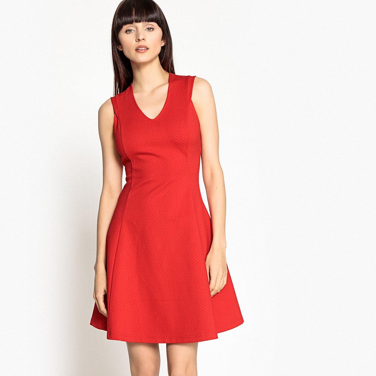 Фото - Платье расклешенное с V-образным вырезом без рукавов боди без рукавов с v образным вырезом
