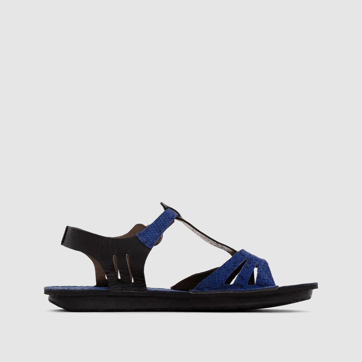 Сандалии кожаные на низком каблуке WaggbisОчень удобные и стильные кожаные сандалии на низком каблуке - с ними каждая летная прогулка станет удовольствием!<br><br>Цвет: черный/ синий<br>Размер: 36