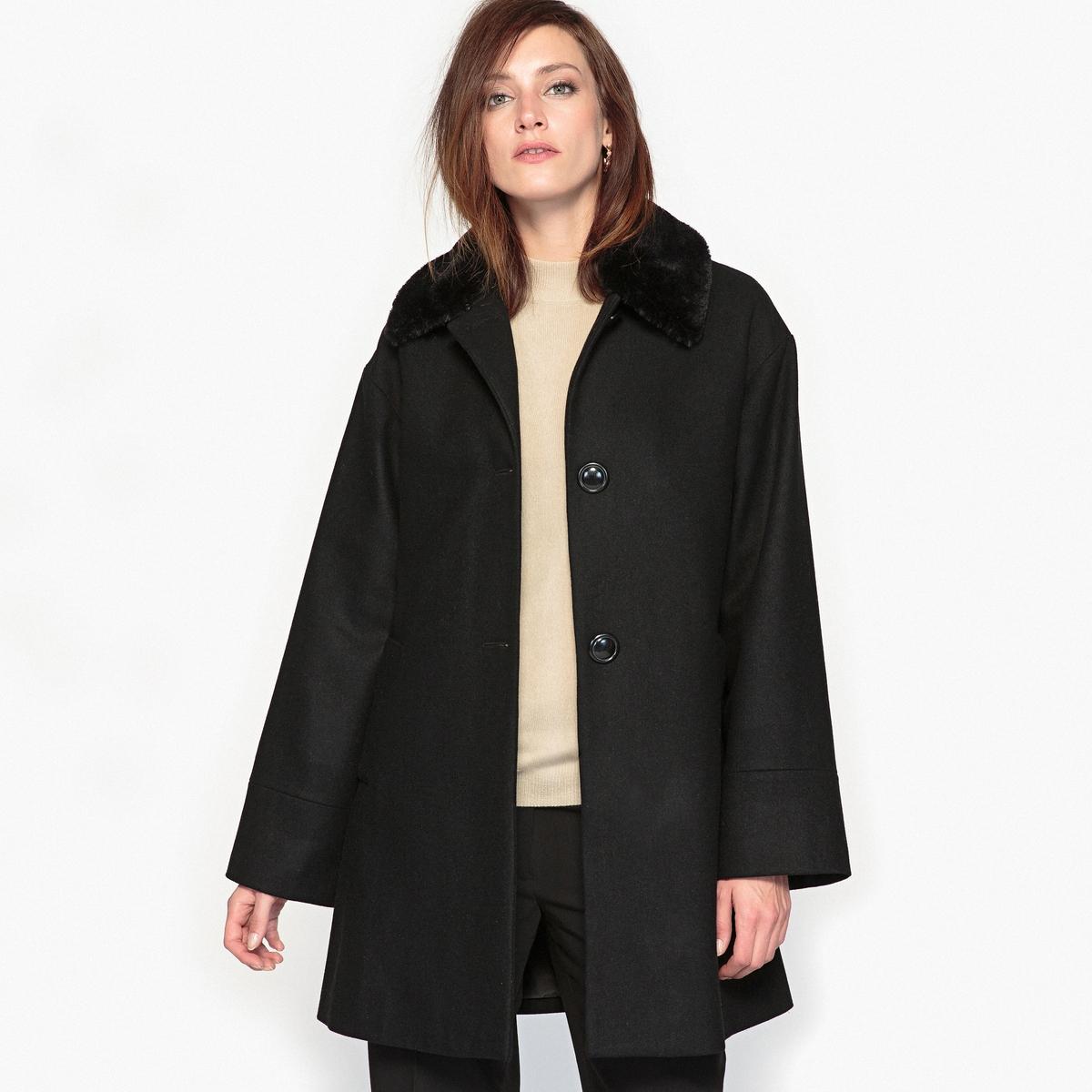 Пальто расклешённое с воротником с искусственным мехом